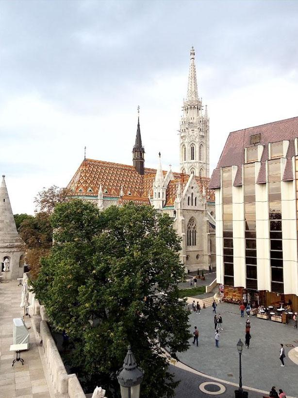 Hilton Hotel és Mátyás templom a budai várban