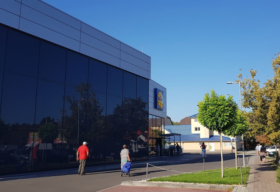 CE Glass Industries referencia Budapest Lidl Hungária Krt.