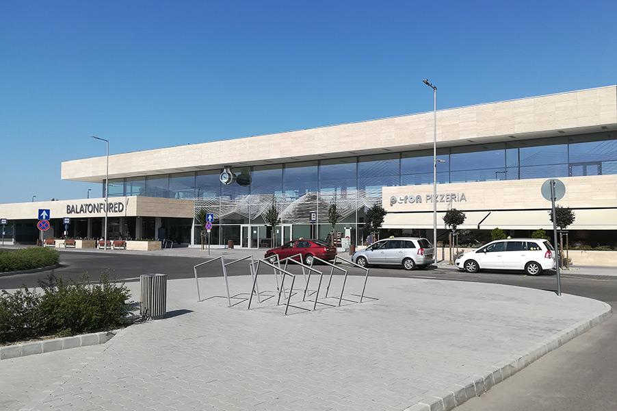 CE Glass Industries referencia Balatonfüred Vasútállomás