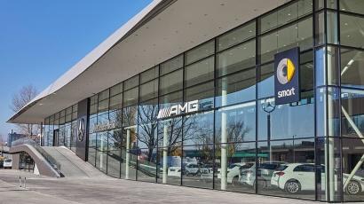CE Glass Industries referencia Budaörs Mercedes-Benz márkakereskedés