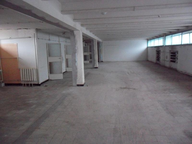 3 szintes kiadó épület Szegeden
