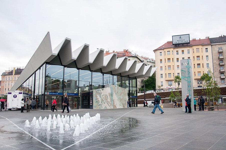 Széll Kálmán Square in Budapest Ce Glass Industries reference