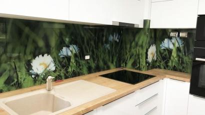 CE Glass Industries referencia Printelt Konyhai Üveghátfal Virágos Fotó